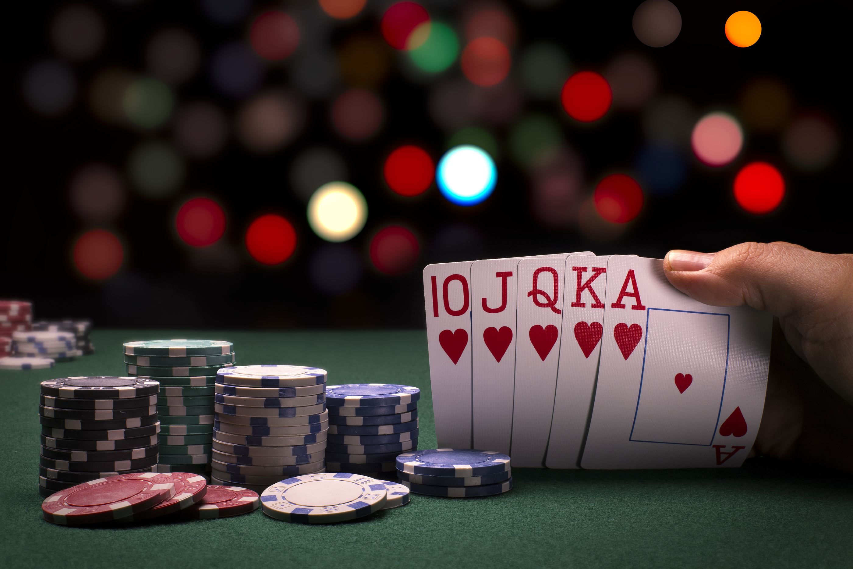 How To Expertise In Online Poker Games