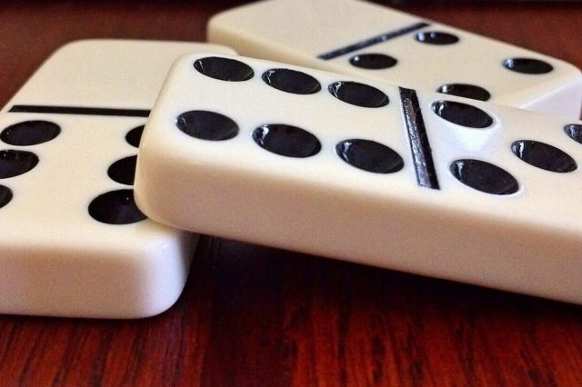 Know some facts about domino poker game
