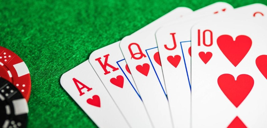 Online Poker Using Mobile App